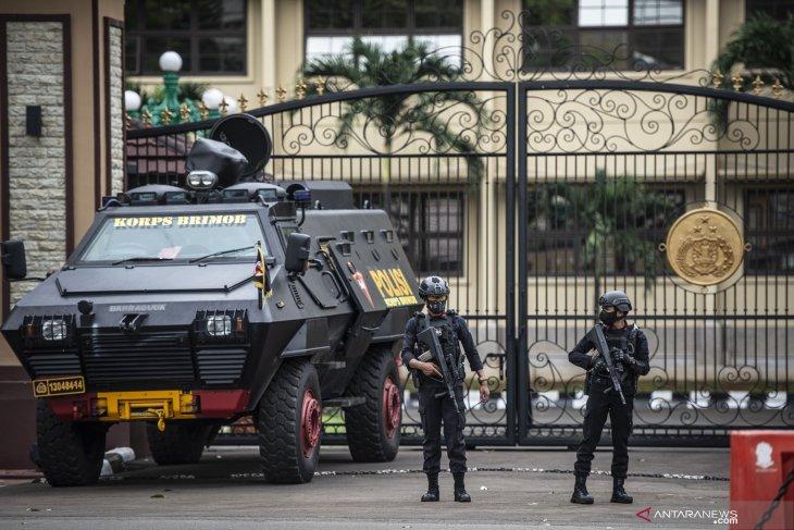 Pelaku terorisme di Mabes Polri masuk lewat pintu belakang
