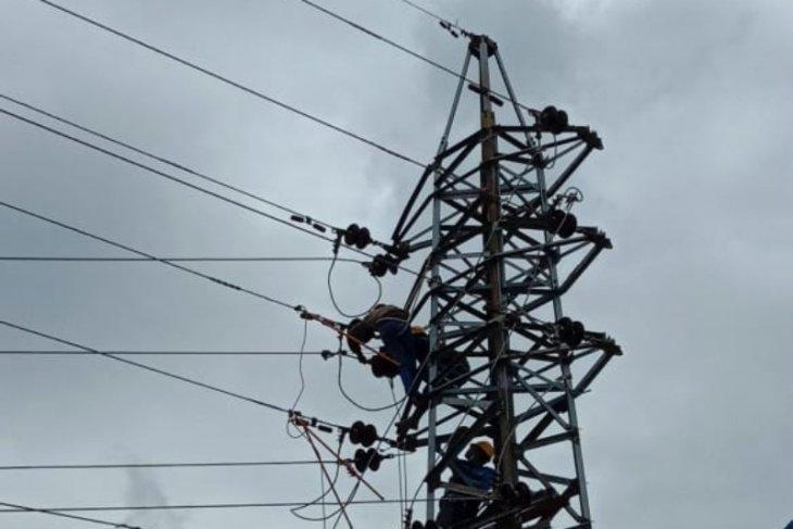 PLN pulihkan pasokan listrik di Kabupaten Samosir