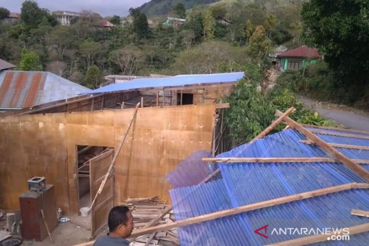 Angin kencang rusak tiga rumah di Bener Meriah