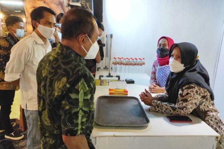 Wawali berharap mal di Surabaya ikut bantu promosikan produk UMKM