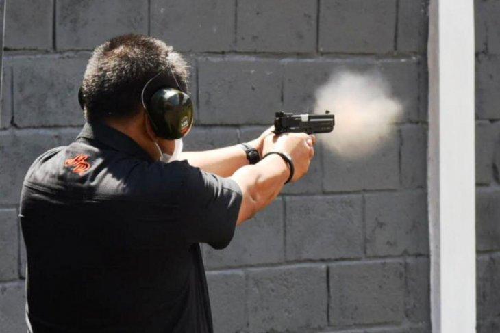 Pemprov Jatim : Perbakin semangati anak muda olahraga menembak