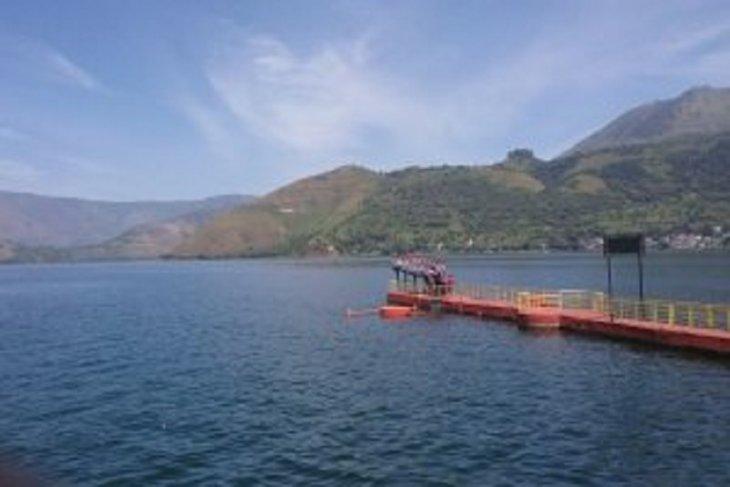 Beauty of Lake Toba begs a closer look