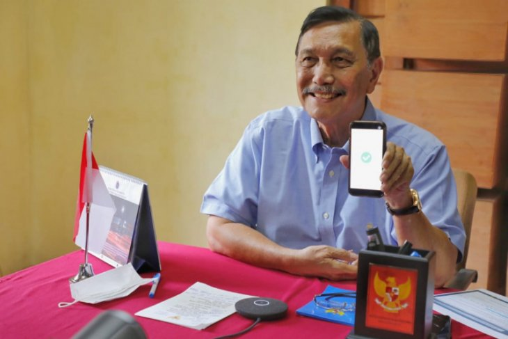 Menko Luhut  dorong rakyat belanja produk UMKM dalam negeri