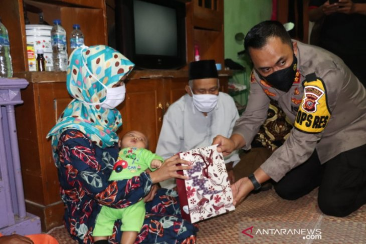 Presiden Jokowi sampaikan pesan untuk keluarga  terduga teroris di Sukabumi
