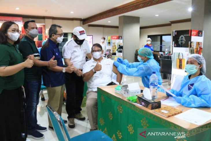 Wagub Bali: Vaksinasi di tiga kawasan zona hijau dekati 100 persen
