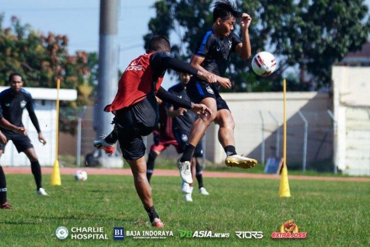 Piala Menpora: PSIS vs PSM,