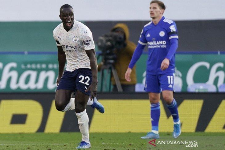 Bekuk Leicester 2-0, Manchester City di ambang juara