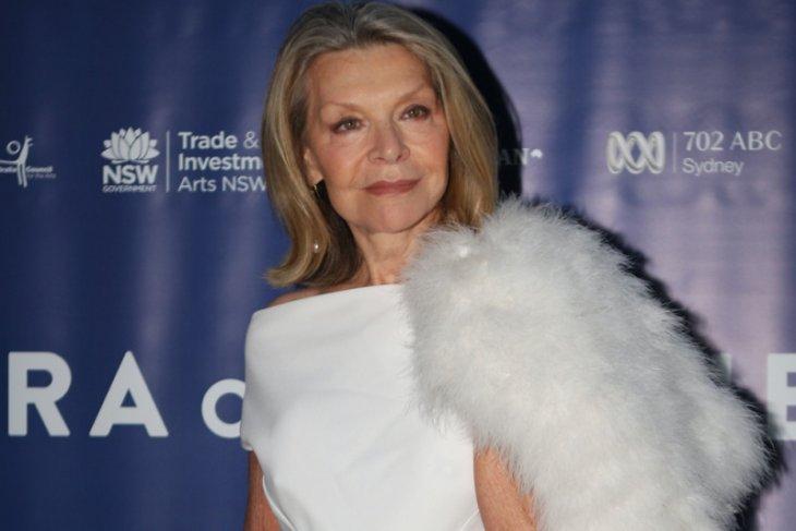 Perancang  busana Australia Carla Zampatti meninggal dunia