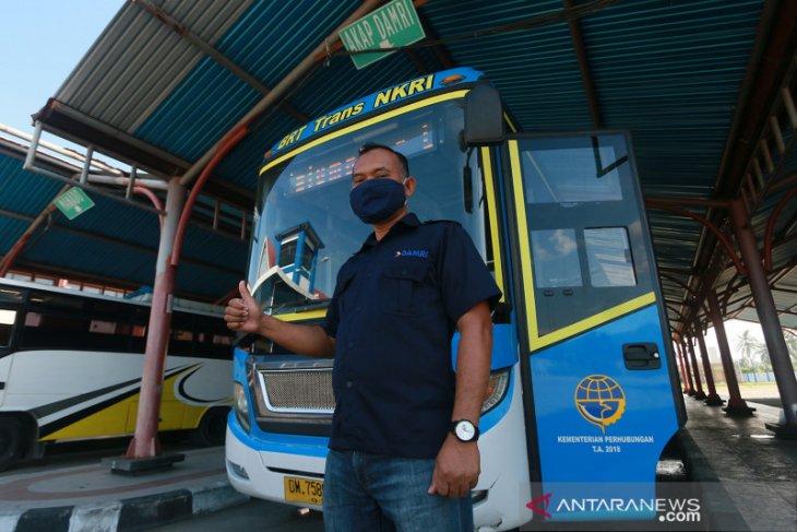 Pemprov Gorontalo dan Perum Damri buka layanan bus wisata