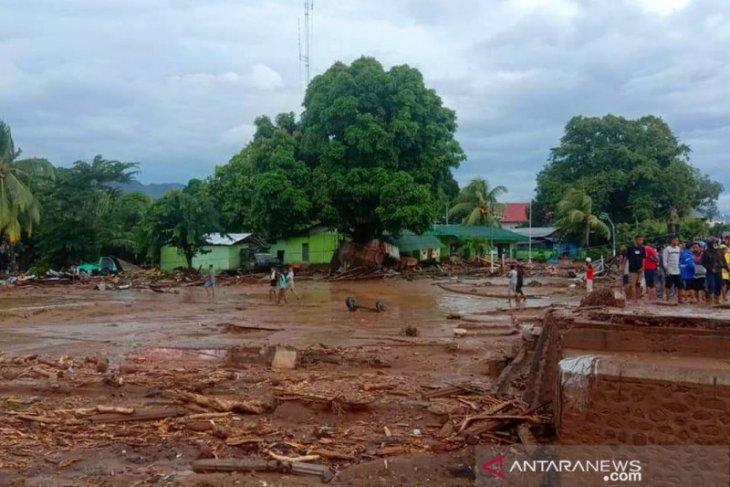 BNPB: 256 Jiwa mengungsi akibat akibat banjir bandang Flores Timur
