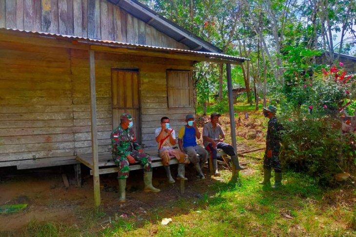 Babinsa tinjau desa binaannya setelah TMMD 110 Kodim 1206/PSB berakhir