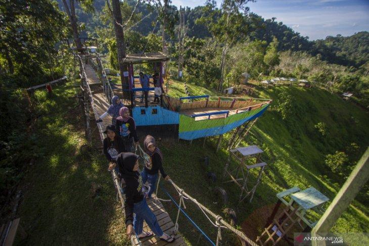 Wisata Kampung Bambu di Kalsel tawarkan keelokan pegunungan meratus