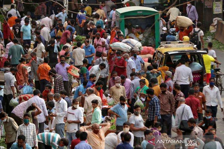 India catat rekor lonjakan 126.789 kasus COVID-19 baru