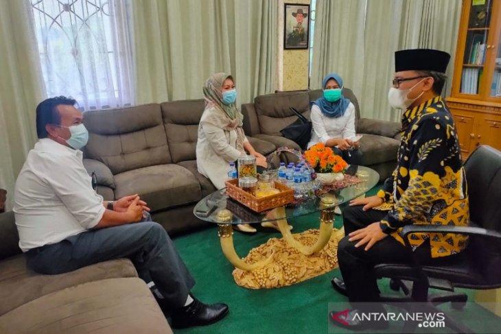 PLN Bekasi lakukan sosialisasi program ke wakil rakyat