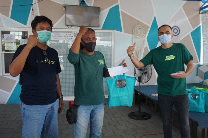 KPF Surabaya kolaborasi dengan YSS bagikan 500 paket sembako