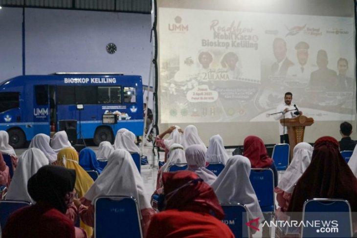 Mobil KaCa dan Bioling UMM edukasi warga Probolinggo lewat film
