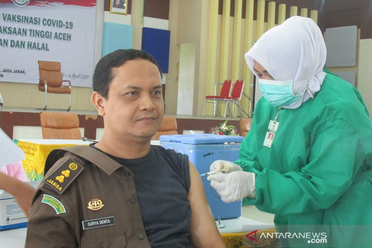 276 personel Kejati Aceh jalani vaksinasi COVID-19