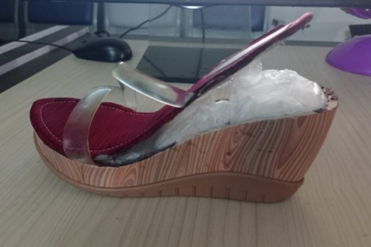 Selundupkan sabu dalam sandal, dua perempuan asal Aceh ditangkap di Bandara Kualanamu