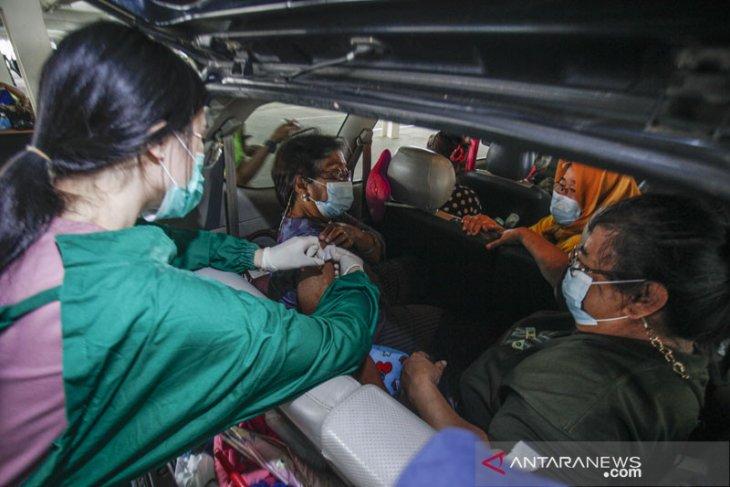 9,7 juta warga di Indonesia telah dapat vaksin COVID-19  dosis lengkap