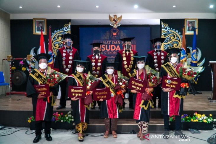STIKI Indonesia laksanakan wisuda 344 mahasiswa