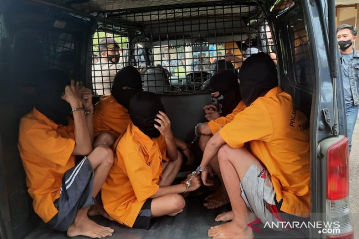 Lima pelaku penyerangan berdarah suporter tim futsal ditangkap,  satu orang masih buron