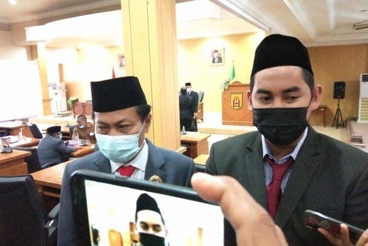 DPRD terima usul Raperda retribusi pelayanan pemakaman