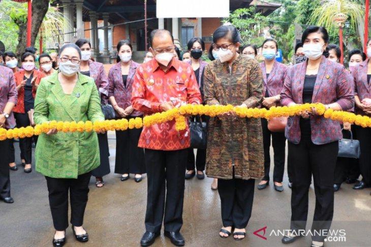 Gubernur apresiasi penyediaan produk khas Bali di pasar murah Galungan