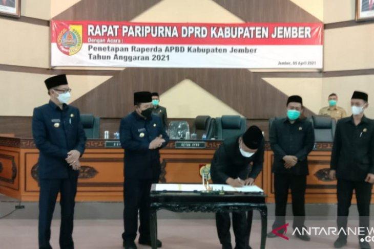 Pemkab dan DPRD Jember tetapkan Perda APBD 2021
