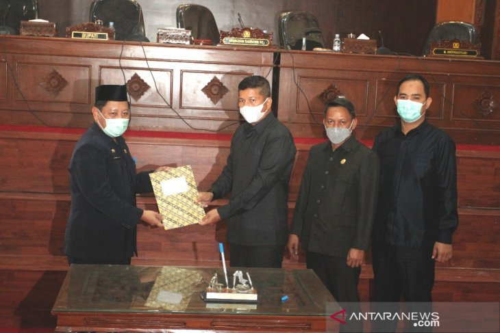 DPRD Bangka Barat sampaikan 16 rekomendasi terhadap LKPJ 2020