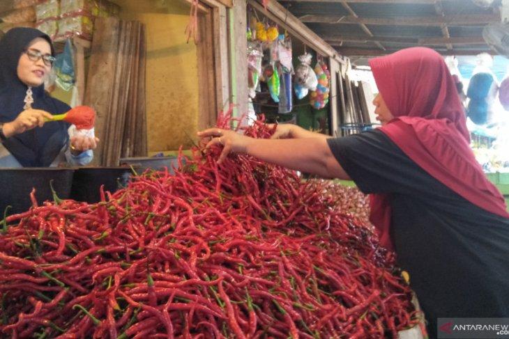 Harga cabai merah bertahan Rp70 ribu per kilogram di Banda Aceh