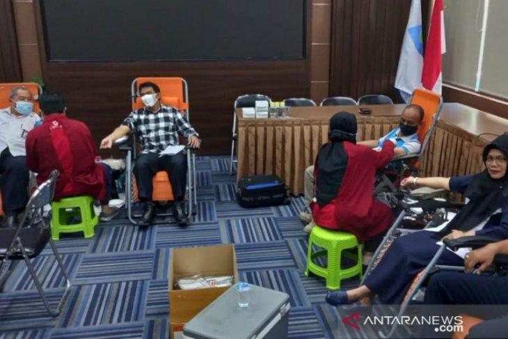 Perumdam Tirta Kencana dan PMI  Samarinda gelar donor darah