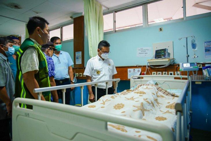 Pemkot Pontianak tanggung biaya operasi korban jatuh dari mobil Damkar