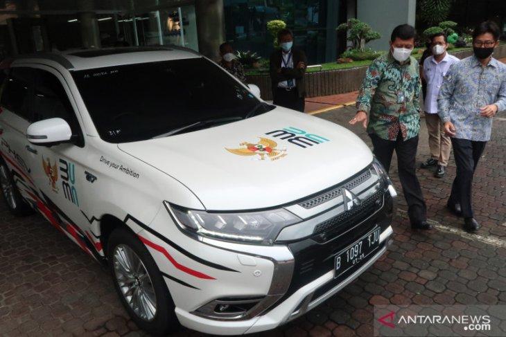 Mitsubishi hibahkan mobil listrik untuk Kementerian BUMN