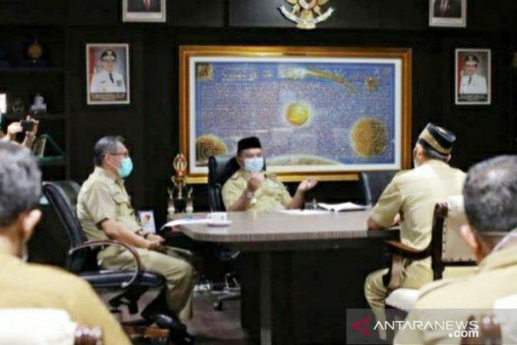 Gubernur Erzaldi wawancarai tujuh calon kepala SMK di Babel