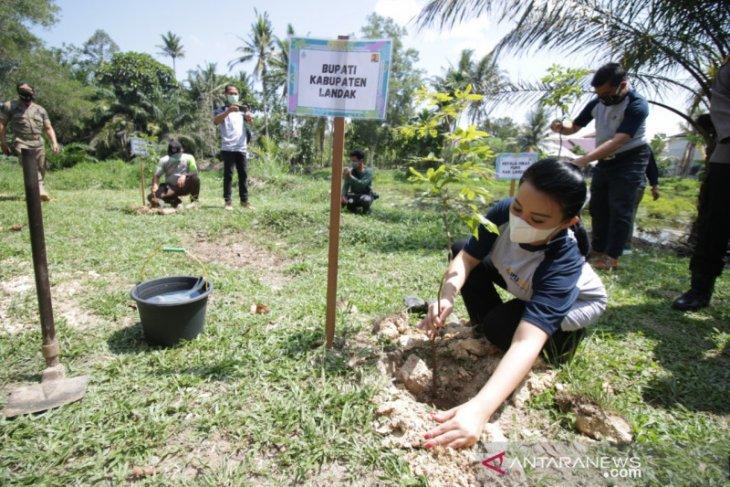 Karolin ajak masyarakat adat jaga kelestarian sumber air