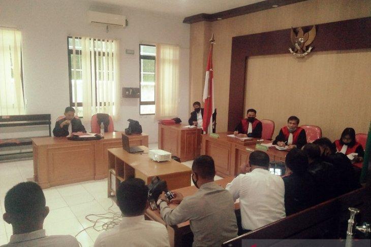 Enam terdakwa jual senpi dan amunisi ke Papua diadili di PN Ambon