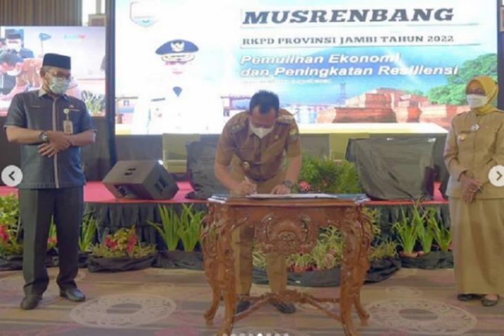 Wabup Muarojambi kawal pembangunan infrastruktur kewilayahan