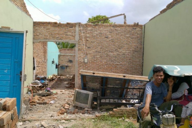 Puting beliung rusak 45 rumah warga desa di Deli Serdang