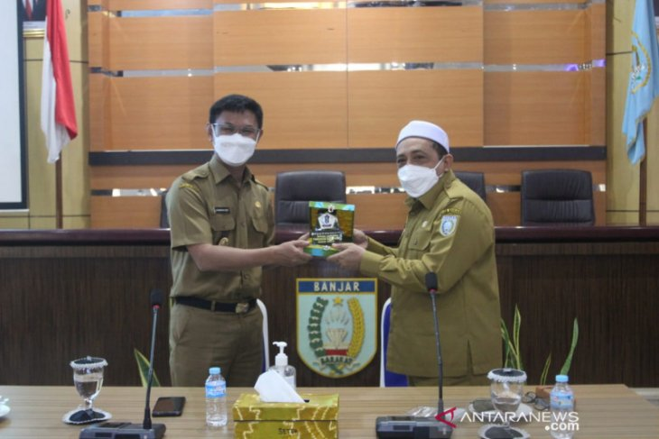 Tim satgas pelayanan publik Batola studi ke MPP Banjar