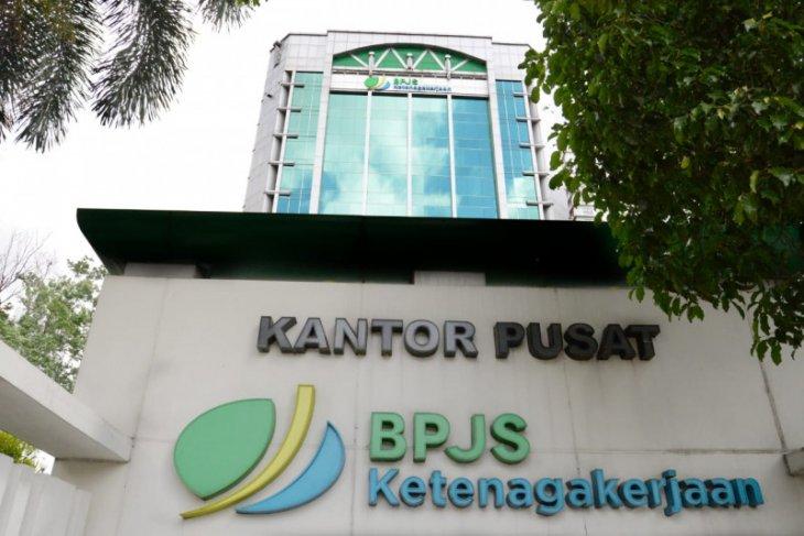 Jokowi Teken Inpres perintahkan seluruh elemen pemerintahan dukung BPJS Ketenagakerjaan