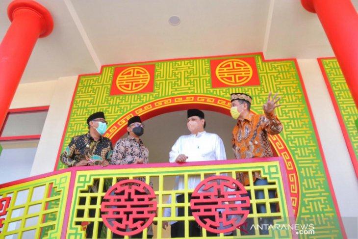 Airlangga Hartarto resmikan Masjid Jami Tine Tang beraritektur oriental