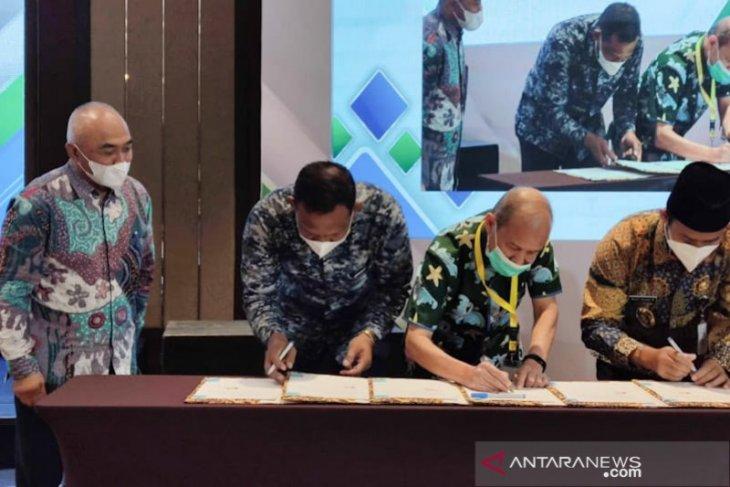 Bupati Aceh Timur teken MoU pembangunan klsster tambak udang