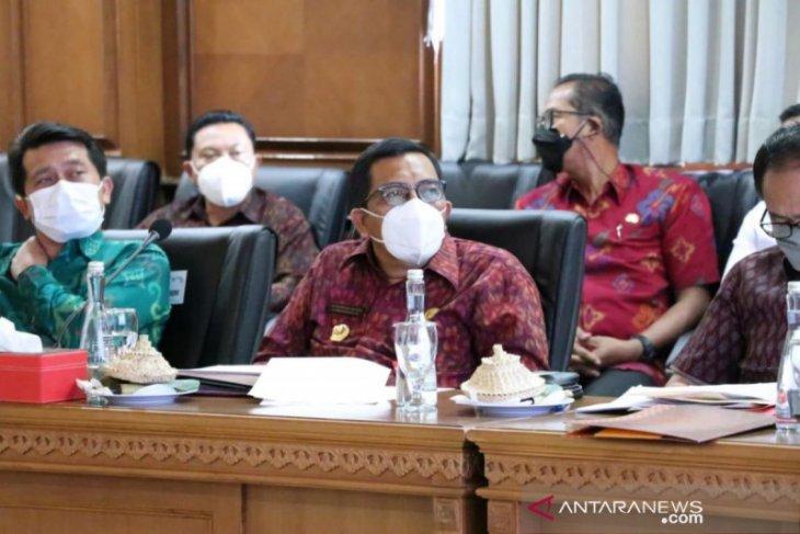 13.811 pekerja pariwisata di Tabanan divaksin jelang buka tanah lot