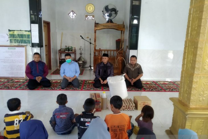 Bawaslu Gorontalo Utara rayakan HUT ke-13 di panti asuhan