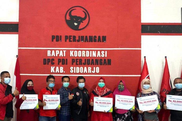 BPJS Ketenagakerjaan Sidoarjo serahkan santunan enam ahli waris