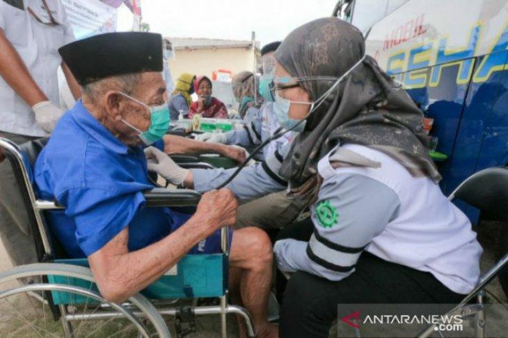 Mobil Sehat PT Timah beri pelayanan kesehatan bagi Warga Desa Kulur