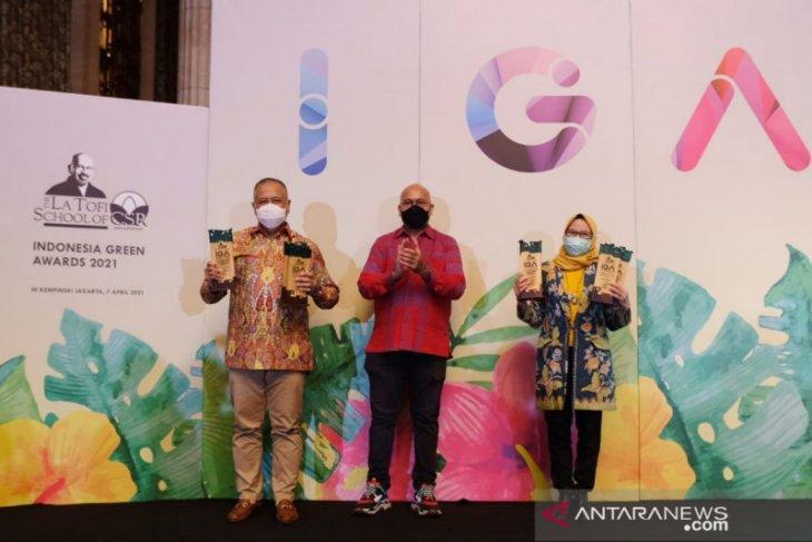 Konsisten Jaga Kelestarian Lingkungan dan Berdayakan Masyarakat, PLN Babel Raih IGA Awards 2021