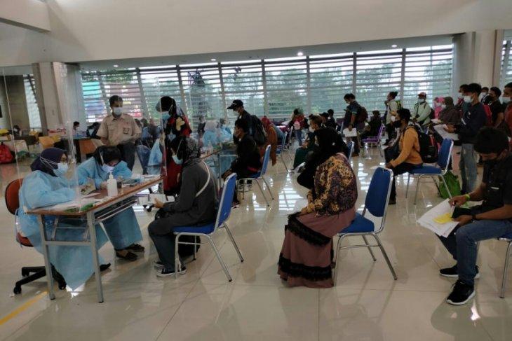 Mahasiswa Unusa bantu penyidikan epidemiologi dan surveilans di Bandara Juanda