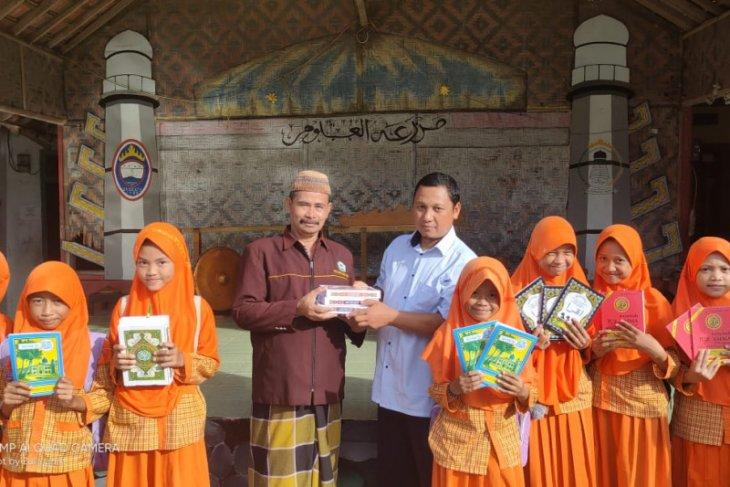 Sambut Ramadhan, Sahabat Qur'an Pustaka salurkan bantuan Al-Qur'an untuk masyarakat Lampung & Banten