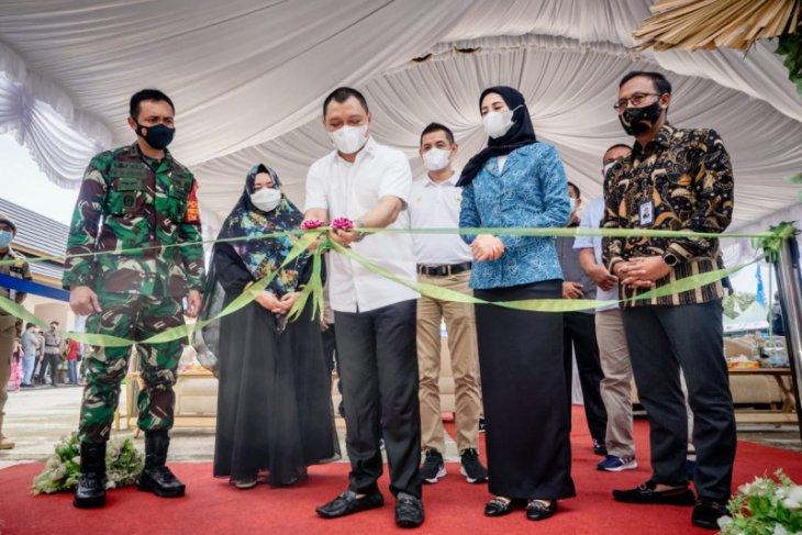 Bupati Paser resmikan pusat oleh-oleh khas lokal